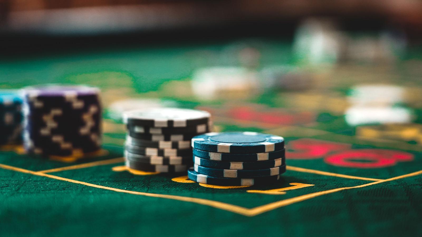 Roulette, Blackjack & Double Dice